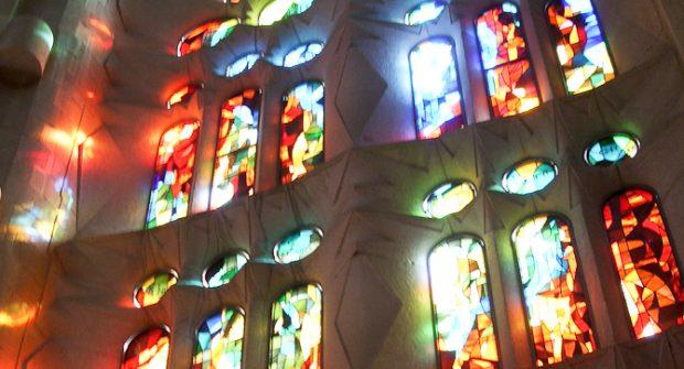Kirchenfenster als Symbol für Religiosität