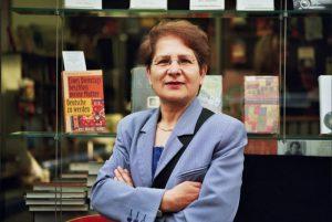 Fahime Farsaie, Schriftstellerin im Portrait