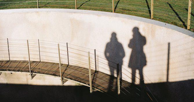Schattenbild - Eva und ihre Schwester