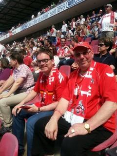 Michael im FC-Trikot im Stadion