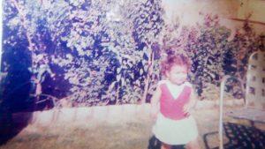 Interviewgast als kleines Mädchen, 2 oder 3 Jahre in der Heimat Irak
