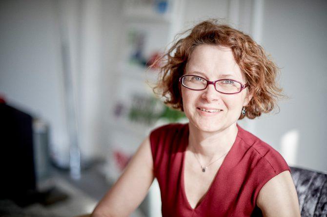 Portrait Louise Identität