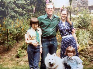 Familienbild in der alten Heimat
